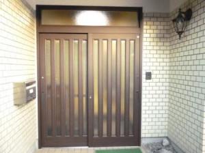 玄関サッシ 1