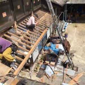 玄関 屋根 2